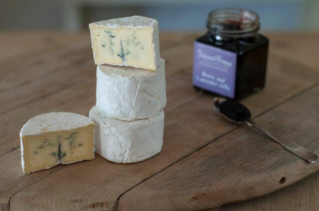 wineland-camembert-blue