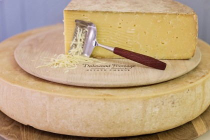 Dalewood_Fromage_Huguenot_12_months_matured-420x280